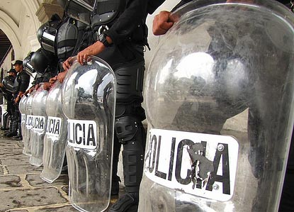 Guatemaltekische Polizei, Antigua / Antiguadailyphoto, flickr