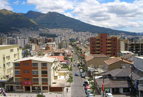 Quito /ARKNTINA, CC BY-NC-SA 2.0, flickr