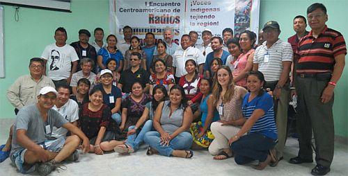 Das Treffen fand auch statt: Teilnehmer*innen des 1. Treffens der Indigenen Community-Radios aus Zentralamerika / Bildquelle: comunicandonos.org