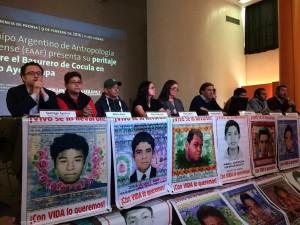 Ayotzinapa: Forensikerteam bei der Präsentation des Gutachtens