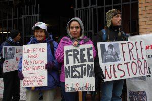 Die Forderung nach Freilassung (hier am 6. 10. 2013 in Seattle) wurde schließlich erfüllt: Nestora Salgado ist frei. Foto: Flickr/dbarnes333 (CC BY-NC-SA 2.0)