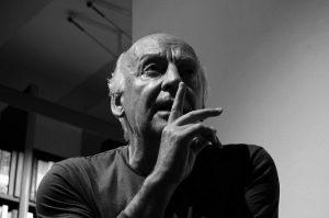 Der Autor bei einer Lesung in einem Buchladen in Vicenza (Italien) im Jahr 2008 / Foto: Mariela De Marchi Moyano, CC BY-SA 2.0, Flickr