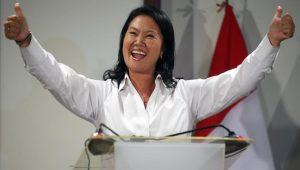 Keiko Fujimori hat gut lachen: Die neoliberale Tochter des in Haft sitzenden Ex-Diktators Alberto Fujimori hat gute Chancen, die nächste Präsidentin Perus zu werden. Foto: Telesur