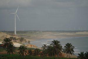 Küstenromantik war einmal - jetzt prägen bei Caetanos de Cima die Windräder das Bild / Foto: Nils Brock, CC BY-SA 4.0