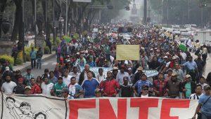 Die kampferprobten mexikanischen Lehrer*innen werden sicher nicht zum letzten Mal durch die Hauptstadt ziehen. Foto: Telesur