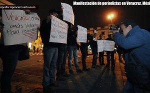Protestaktion gegen Morde an Journalist*innen in Veracruz. Foto: Agenciadenoticias/Cuartooscuro