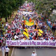 Indigene Gemeinschaften demonstrieren für den Frieden