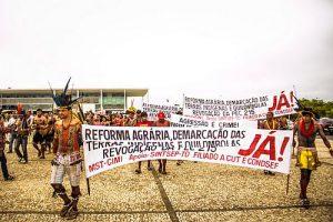 brasilien-forderungen-agrarreform-indigene_2014_midia-ninja_