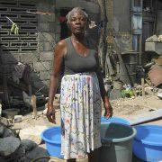 Frau in einem Camp in Haiti (Foto: Archiv, 2011, digital democracy, CC BY-NC-SA 2.0, flickr