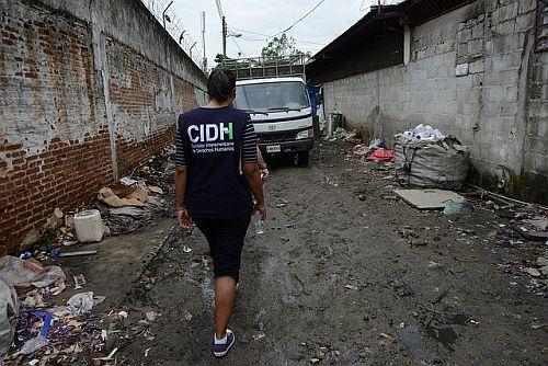 CIDH-Mitarbeiter*in beim Ortsbesuch in Honduras, 2014 / Foto: Daniel Cima, CIDH, CC BY 2.0