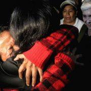 Karawane der Mütter ist Brücke der Hoffnung: Wiedersehen zweier Schwestern nach 37 Jahren