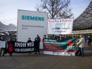 Protest und Transparent