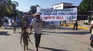 Protest gegen Mega-Staudämme am Rio Beni