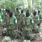 Hunderte Paramilitärs in den Nordwesten Kolumbiens eingedrungen