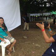 Mit Kamera und Mikrofon unterwegs: Medienmacherinnen aus dem Amazonas-Gebiet