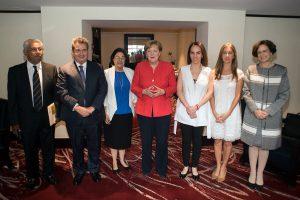 Merkel und Menschenrechtsorganisationen