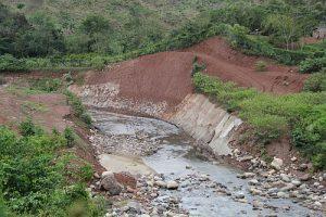 Eingriff in den Flusslauf des Gualcarque für das Wasserkraftwerk Agua Zarca / Foto: ©-Erika Harzer