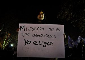Foto: El Ciudadano (Demonstration für die Entkriminalisierung der Abtreibung in Santiago de Chile, 2014) / Foto: El Ciudadano