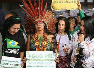 Proteste gegen das Renca-Dekret von Praesident Temer vor der abgeordnetenkammer-am 30. august 2017 / foto: agencia-brasil, cc-by-2.0