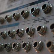 Vom Guerilla-Funk zum Community-Radio – Radios als Peacemaker