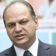 Staatsanwaltschaft fordert Freistellung des Gesundheitsministers