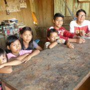 Es muss nicht immer Englisch sein! Peruanische Kinder lernen die Sprache der Cocama