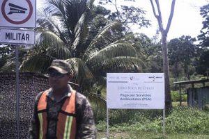 Die Menschen in Boca Chajul erhalten durch das staatliche Förderprogramm jährlich 300 Pesos pro Hektar dafür, dass sie den Urwald in seinem natürlichen Zustand belassen und nichts anbauen. Foto: Moysés Zúñiga Santiago, Mongabay/desinformemonos