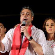 Rechter Regierungskandidat gewinnt knapp