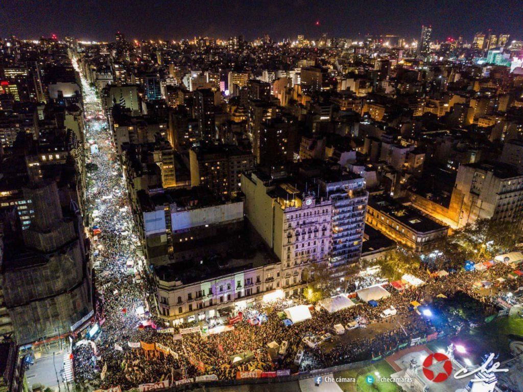 Von Außen Geschafft Tausende Aktivistinnen Feiern Die