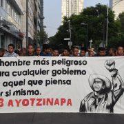 Ayotzinapa: AMLO verspricht Angehörigen Wahrheitskommission
