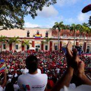 Guaidó erklärt sich zum einstweiligen Präsidenten von Venezuela