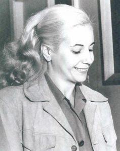 Eva Peron sonriendo