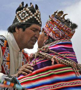 evo morales con indigena