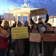 """""""Piñera, du bist kein Präsident, sondern ein Diktator!"""" - protesta en Berlin 21.10.2019"""