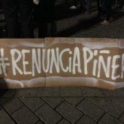 """""""Renuncia Piñera"""" - protesta en Berlin 21.10.2019"""