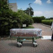 700 Leichen aus ihren Häusern in Guayaquil geborgen
