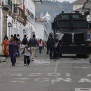 Geld für Panzerwagen statt Pandemie