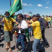 Journalist*innen bei pro-Bolsonaro-Demo angegriffen