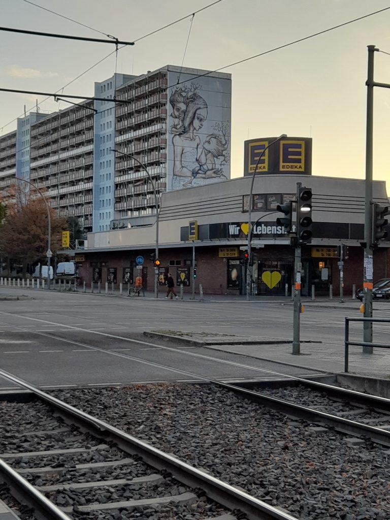 El genocida camina libremente por las calles de Prenzlauerberg