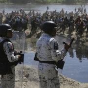 Militär gegen die Karawane