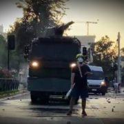 Polizist erschießt Straßenkünstler – landesweit Proteste und Empörung