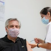 Alberto Fernandez positiv auf Coronavirus getestet