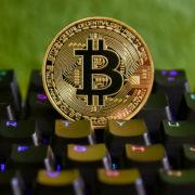 """""""Haste mal'n Bitcoin?"""" – Kryptowährung wird legales Zahlungsmittel"""