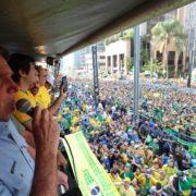 Bolsonaro droht weiter