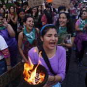 Indigene Feministinnen: gegen Abtreibungsverbot und Patriarchat