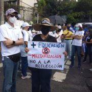 Tausende protestieren gegen Präsident Bukele