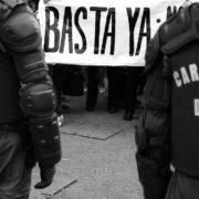 Trauer und Wut: Demonstrantin stirbt mit schweren Verletzungen am Hals